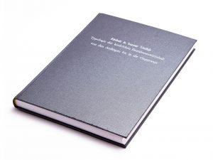 Diplomarbeiten Dissertationen drucken binden Buchbinderei Stundner Habilschriften Masterthesis Bachelorarbeiten kleinauflagen Bücher VWA Maturaarbeiten