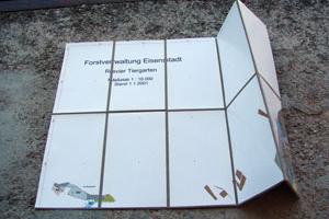 Landkarte kaschieren zum falten Forstkarten Buchbinderei Stundner