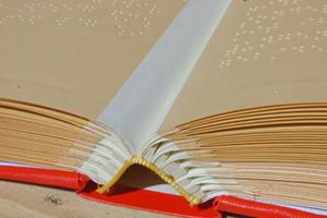 Blindenbuch wir binden Hardcover Blinde