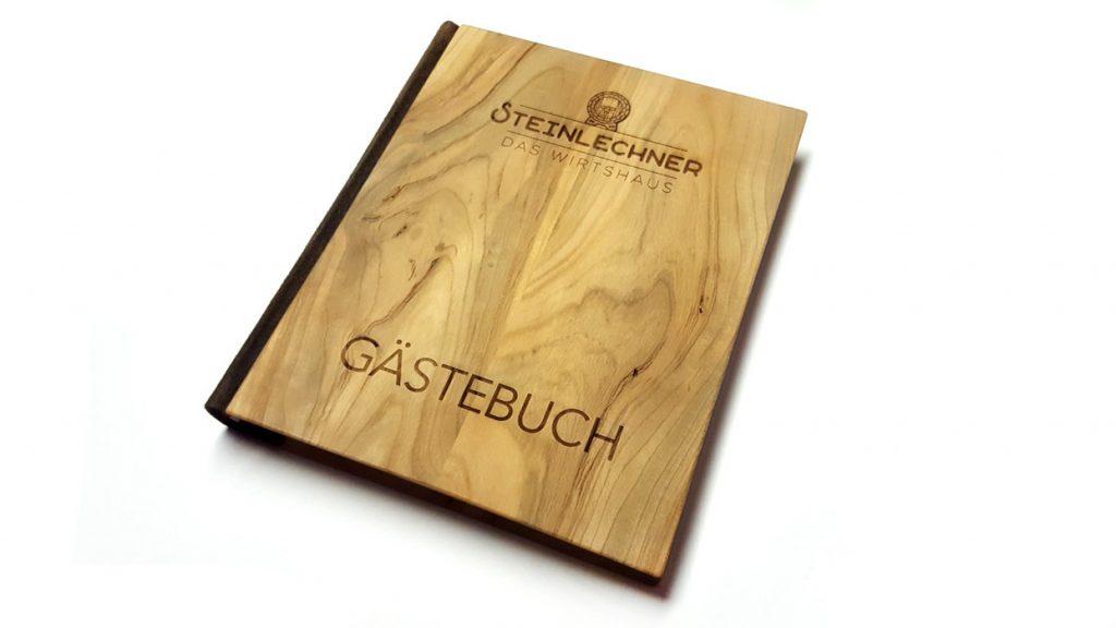 Gästebuch Steinlechner das Wirtshaus Holzbuch Holz mit Lasergravur Buchbinderei Stundner Salzburg03