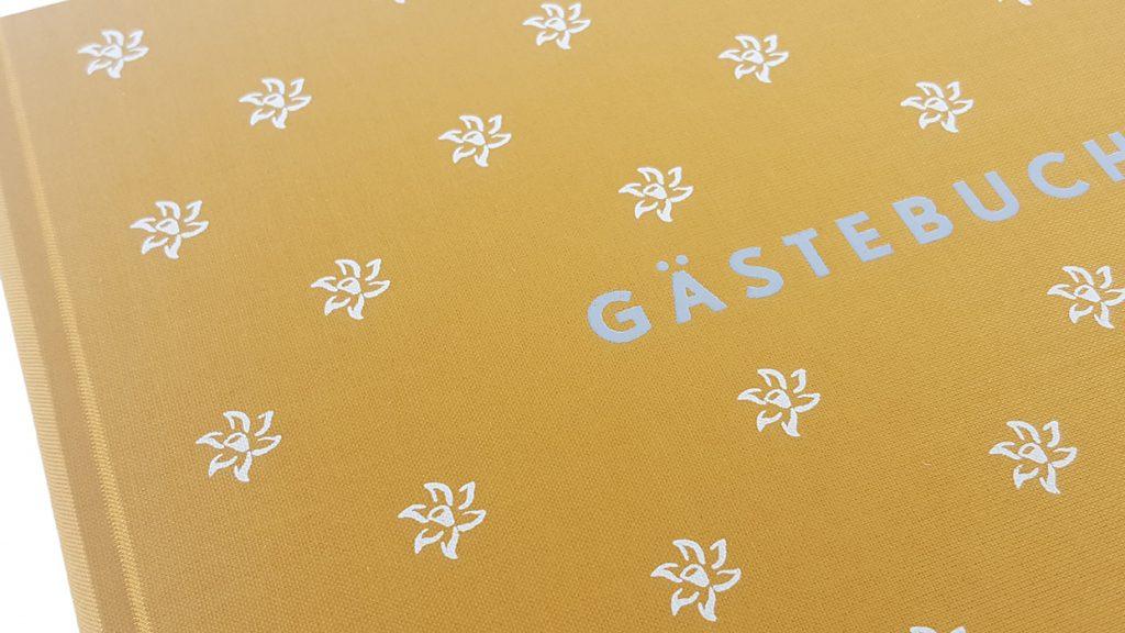gaestebuch fargo see wiese altaussee in leinen gebunden siebdruck blindpraegung farbpraegung klischee buchbinderei stundner salzburg 01