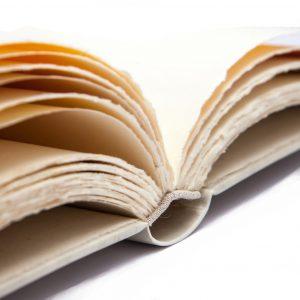 gaestebuch in pergament 04 hand geschrieben unsere gaeste buchbinderei stundner salzburg 01