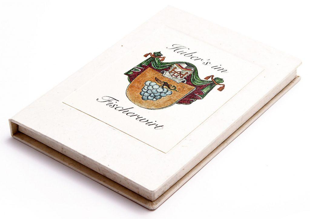 speisekarten huber´s im fischerwirt zahlkasetten nepalpapier weinkarten getraenkekarten hotolzubehoer gasthaus holzspeisekarten zirbenholz holz buchbinderei stundner sa