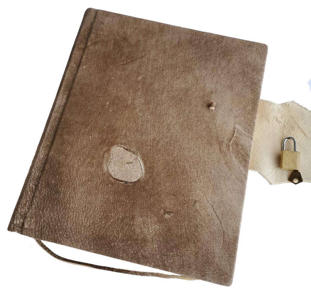 gaestebuch einschreibbuch tagebuch hirschlederbuch schloss versperren skizzenbuch buchbinderei stundner salzburg 01