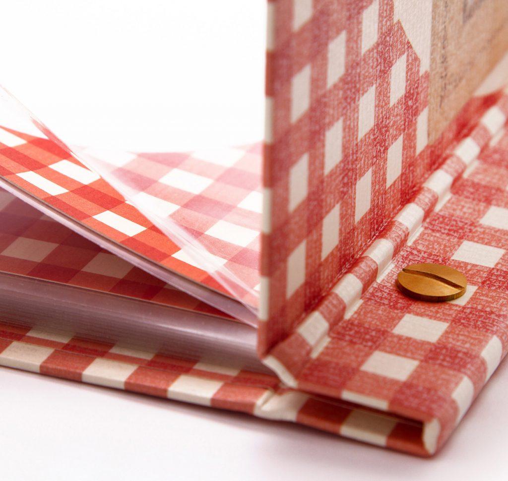 speisekarten buchschrauben (4) weinkarten getraenkekarten hotolzubehoer gasthaus holzspeisekarten zirbenholz holz buchbinderei stundner salzburg