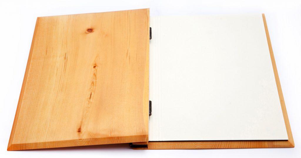 speisekarten holzspeisekarten zirbenholz und buchschrauben weinkarten getraenkekarten hotolzubehoer gasthaus holzspeisekarten zirbenholz holz buchbinderei stundner