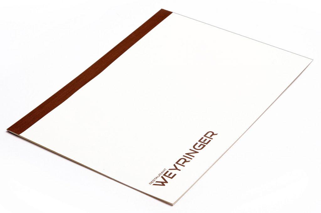 speisekarten weyringer weinkarten getraenkekarten hotolzubehoer gasthaus holzspeisekarten zirbenholz holz buchbinderei stundner